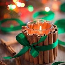 cinamon candle on indulgy