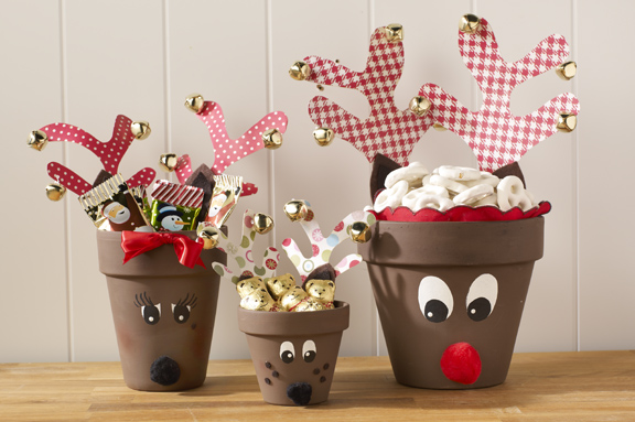 Reindeer candy pots by lasesana for Home crafted christmas decorations